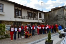 The Environmental Group of Soufli Highschool carries the message in front of the Municipality together with the Mayor