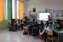 Presentation in Tychero elemenray school (WWF Greece)