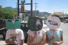 Τα πλακάτ της ομάδας με ευρηματικά συνθήματα για τον Ασπροπάρη